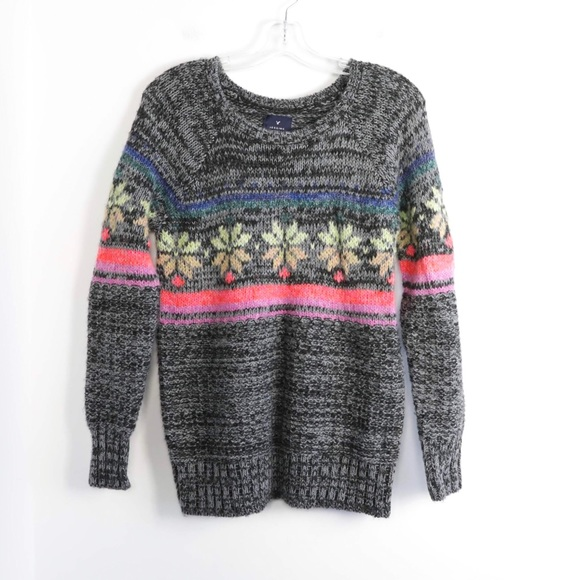 AEO grey snowflake knit sweater S small acrylic